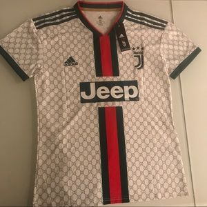 size 40 2ea1d 12614 New Juventus CR7 jersey size M Gucci edition NWT